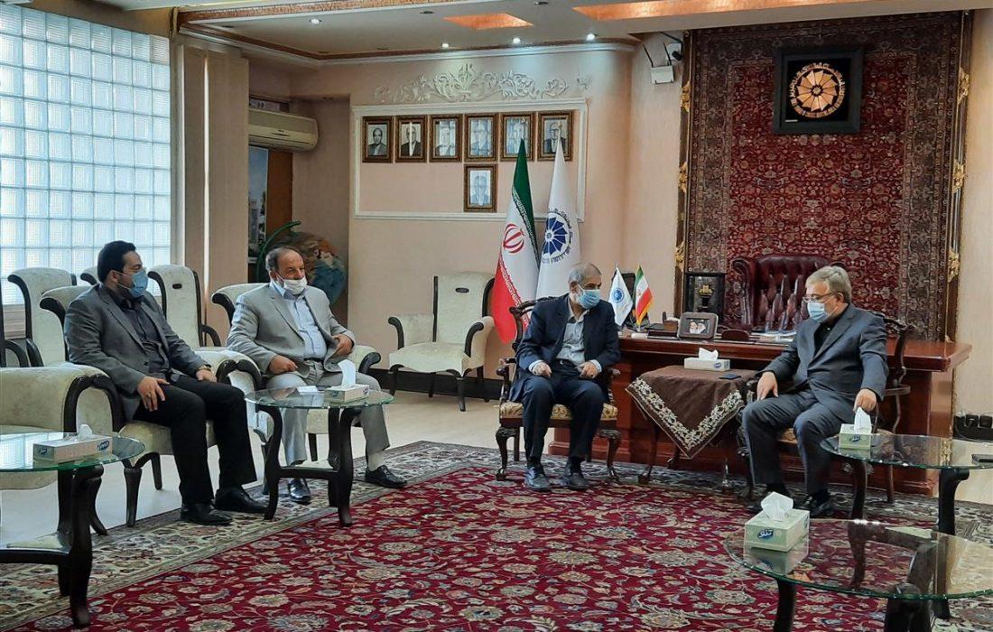 دیدار رییس اتاق تبریز با مسئول دفتر نمایندگی آستان قدس رضوی در آذربایجان شرقی